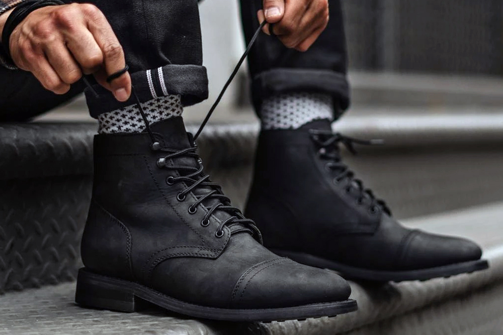 Are Men's Black Leather Boots Trending